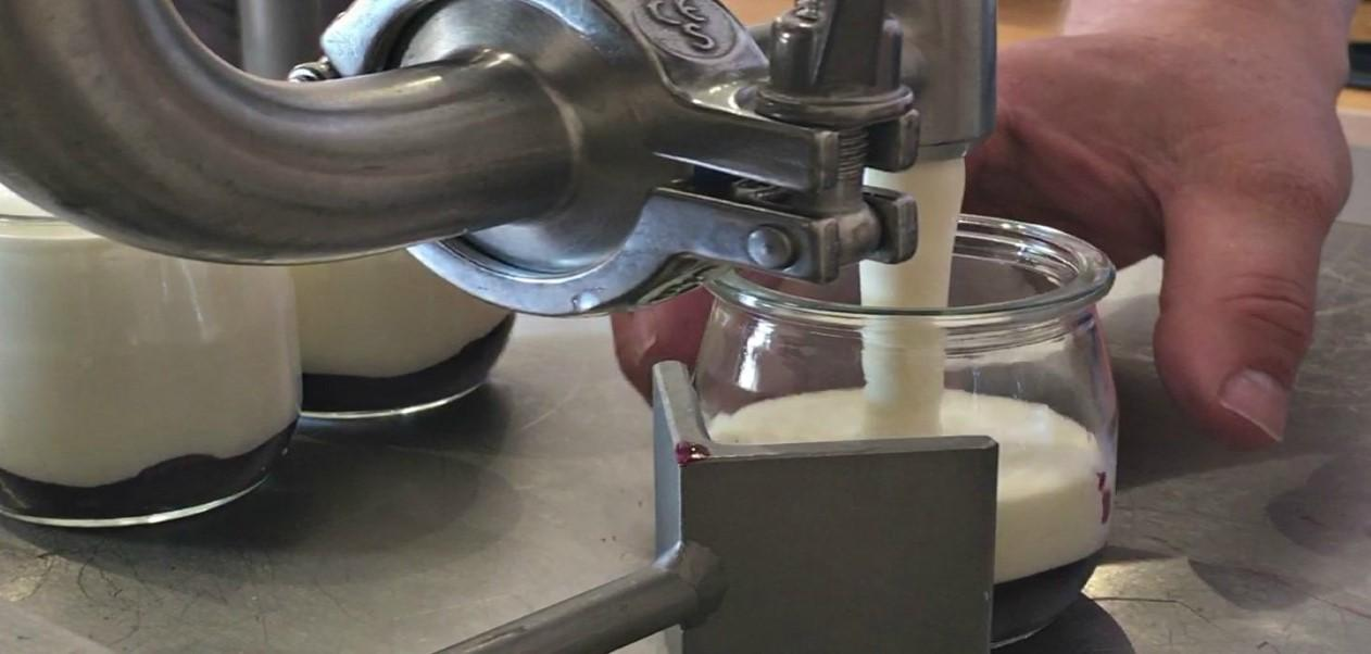 yoghurt filling machine (Custom).jpg